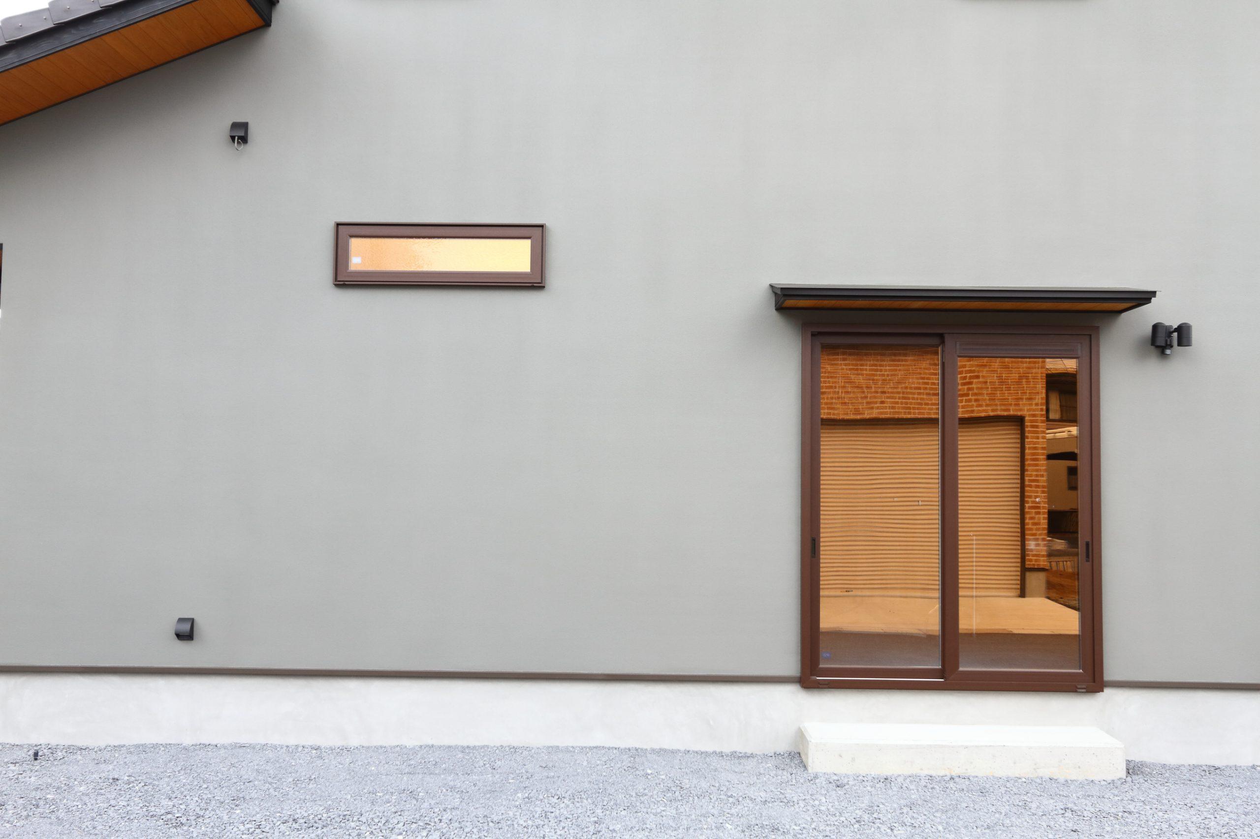 グレーを基調としたモダン住宅