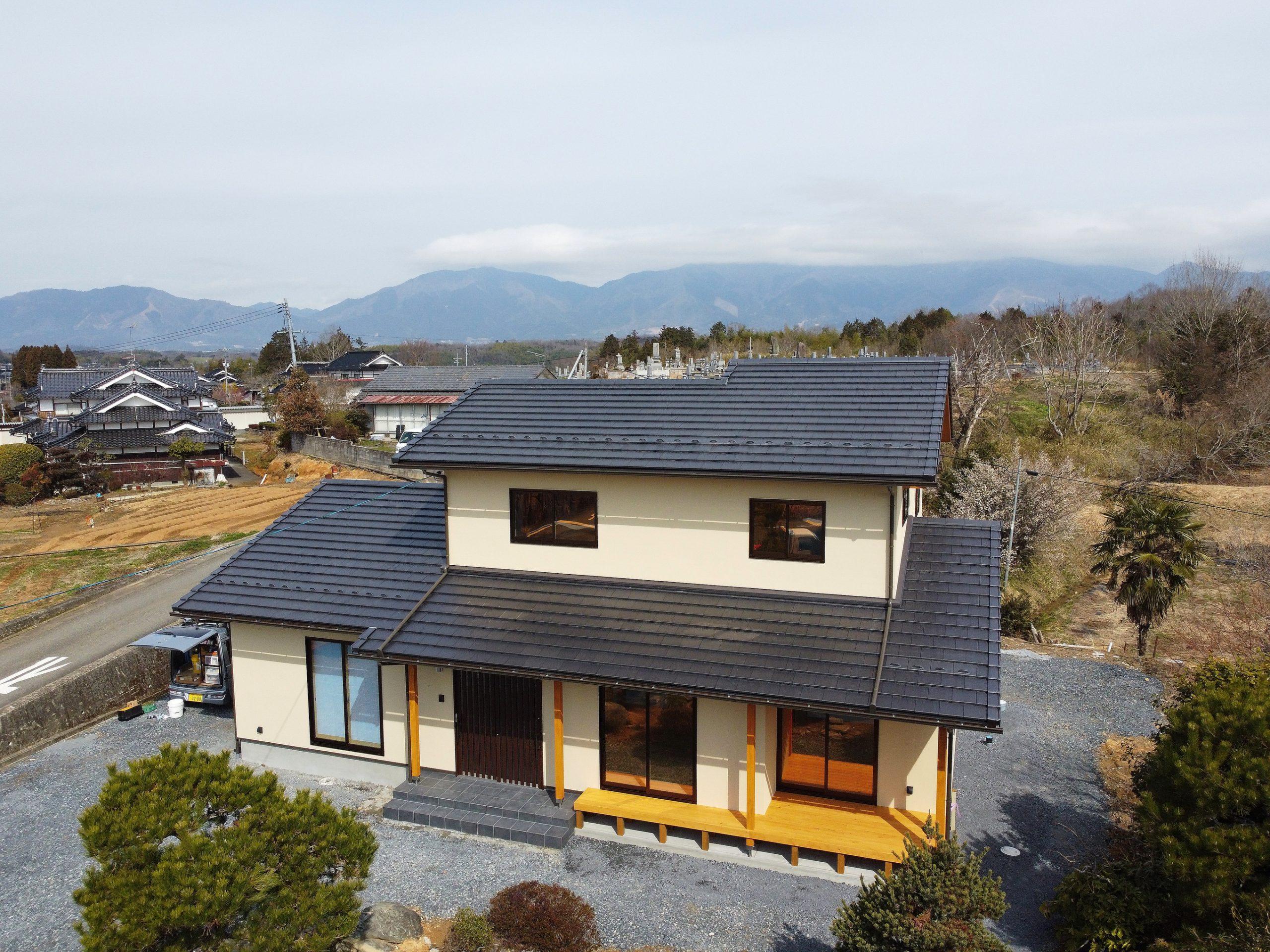 豊かな緑に囲まれた2世帯住宅